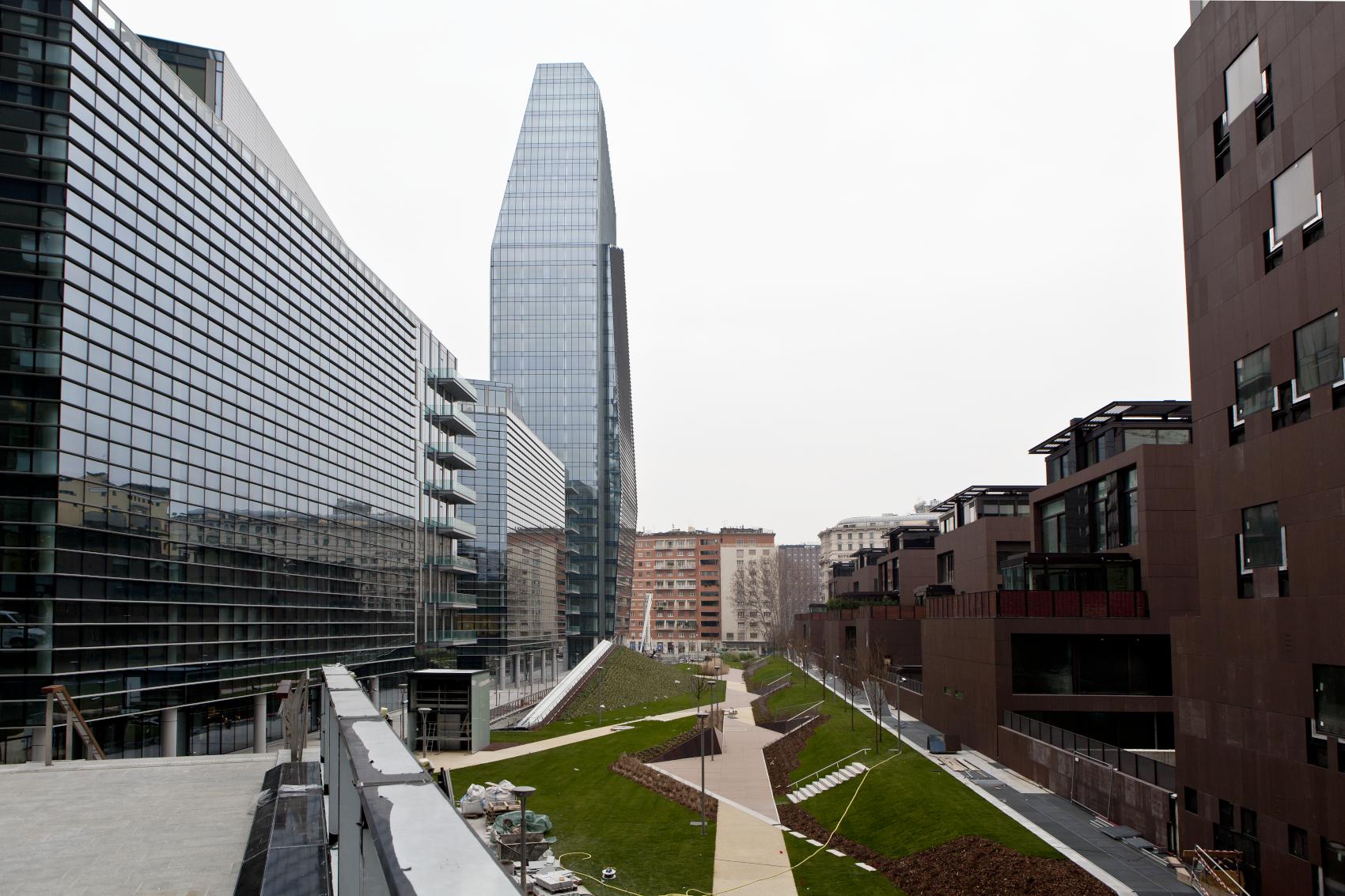 Milano Porta Nuova, Italia – Complesso polifunzionale - Oikos