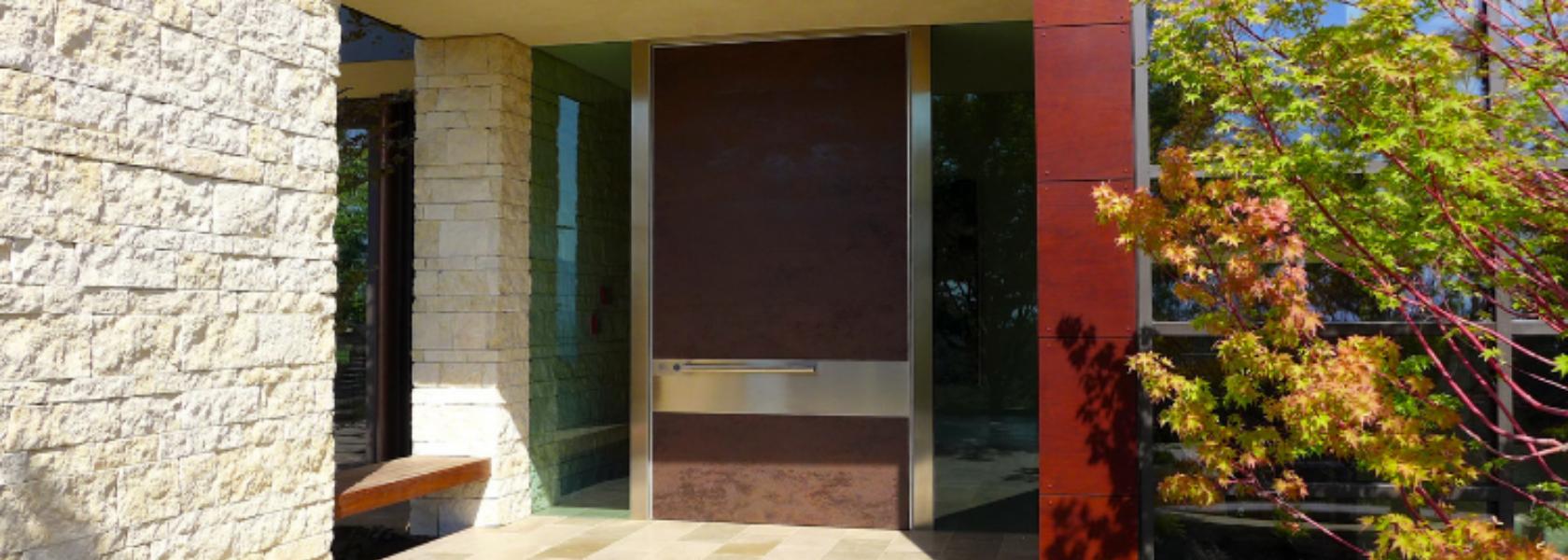 Designing entrances: natural light - Oikos